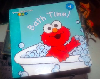 Sesame Street Elmo Bath Time hardcopy children's book | kid lit published by Random House. Complete. Printed 2008. Sesame Beginnings series.