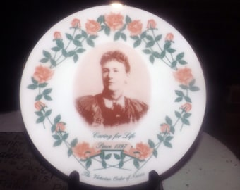 Vintage (1997) Victorian Order of Nurses Centennial limited edition, numbered plate. Portrait of Founder Lady Aberdeen, gold edge.
