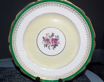 Quite vintage (1930s) Johnson Brothers Pareek JB438 large dinner plate. Green and yellow bands, inset filigree, center florals, gold edge