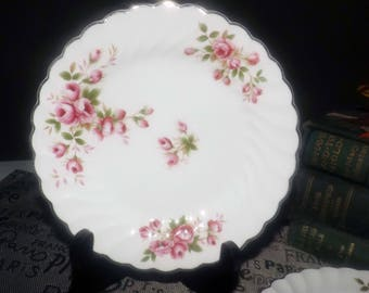 Early mid-century (1940s) Johnson Brothers England JB327 bread-and-butter, dessert, or side plate. Pink roses, gold edge and accents.