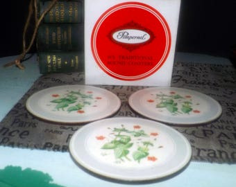 Vintage (1970s) boxed set of 4 Pimpernel Round Flower coasters signed LB, 1 wreath coaster. Acrylic front, cork back. Made in England