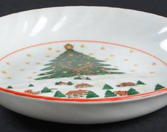 Vintage (1980s) Kopin Christmas Pleasure soup or salad bowl. Central tree, Christmas village, red edge.