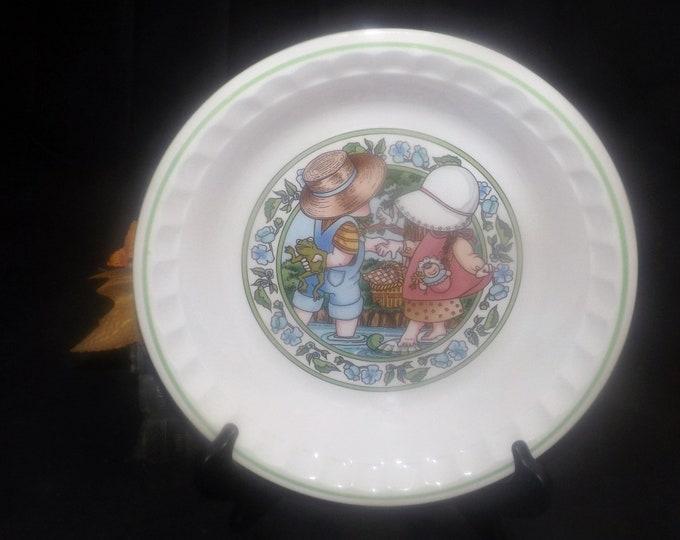 Vintage (1989) Watkins Summertime Friends Country Kids Summertime Fresh Strawberry Pie recipe pie plate.