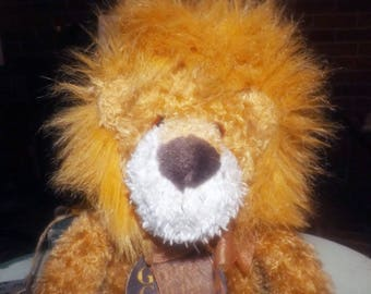 Vintage (mid 1990s) Gund Pounce DeLion 5039 plush | stuffed toy.  Lion with original GUND tags.