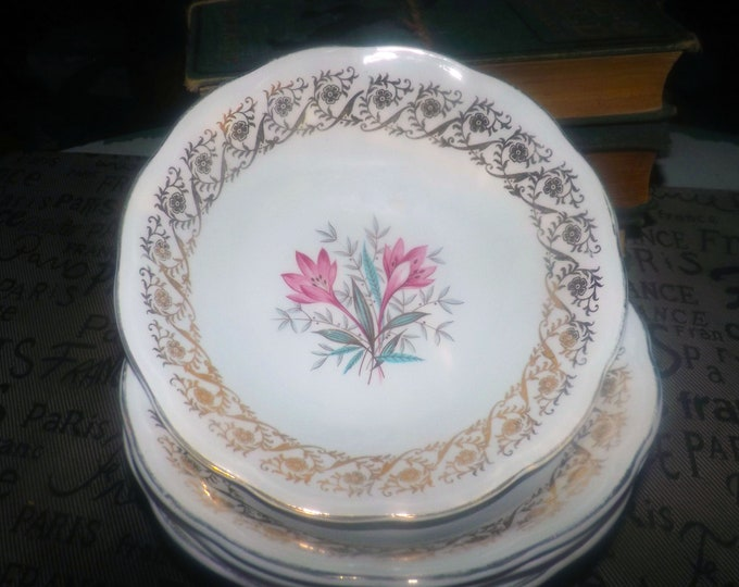 Mid-century (early 1950s) British Anchor Pottery pattern 6001 coupe cereal bowl. Pink flowers, gold filigree.