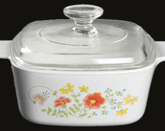 Vintage (1970s | 1980s) Corelle | Corning Wildflower pattern covered 1.5 quart handled casserole with domed lid.