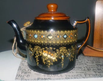Antique (1912) Gibson & Sons England Norvic pattern large brown-betty style teapot with lid.  Hand-painted, moriage details.