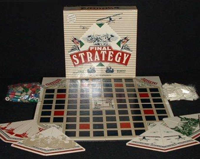 Vintage (1983) Final Strategy limited-edition board game. 5,000 copies published by boutique Canadian gamehouse Headgames.