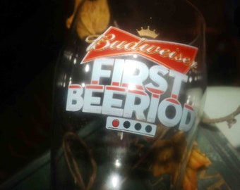 Vintage (late 1980s) Budweiser First Beeriod hockey beer pint glass.  Etched logo and artwork. Very rare.