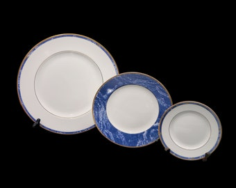 Vintage Wedgwood Cantata plate. Bone china made in England. Choice of size. Sold individually.
