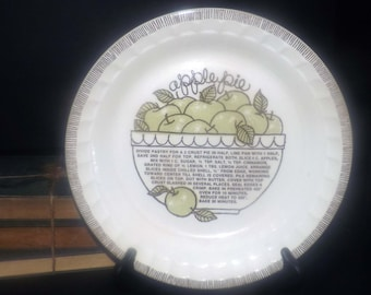 Vintage (early 1980s) Royal China | Jeannette Apple Pie recipe pie plate. Crimped sides, Apple Pie recipe in center. Made in USA.
