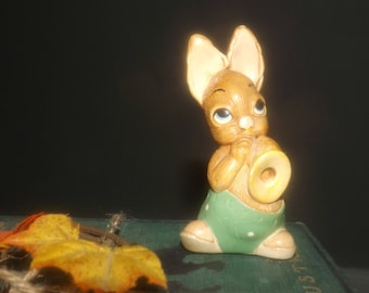 PenDelfin vintage (1980s) rabbit figurine named Phumf playing his horn. Hand-painted, made in England, original PenDelfin labels.