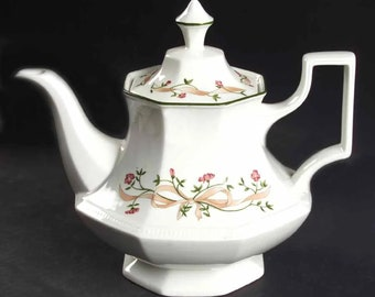 Vintage (1980s) Johnson Brothers Eternal Beau 4-cup teapot with lid. Made in England.