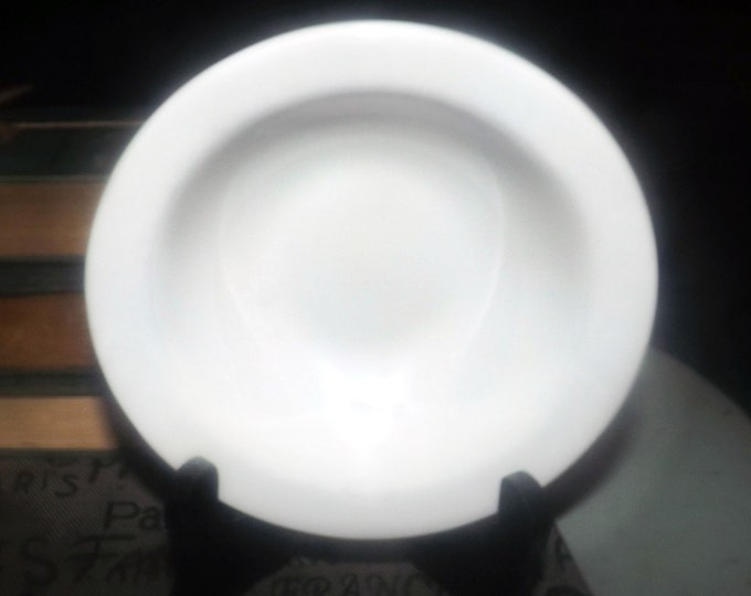 Vintage (mid 1990s) Royal Doulton Capital White fruit nappie, dessert, sauce, or berry bowl. Restaurant   Hotelware. All-white tableware.