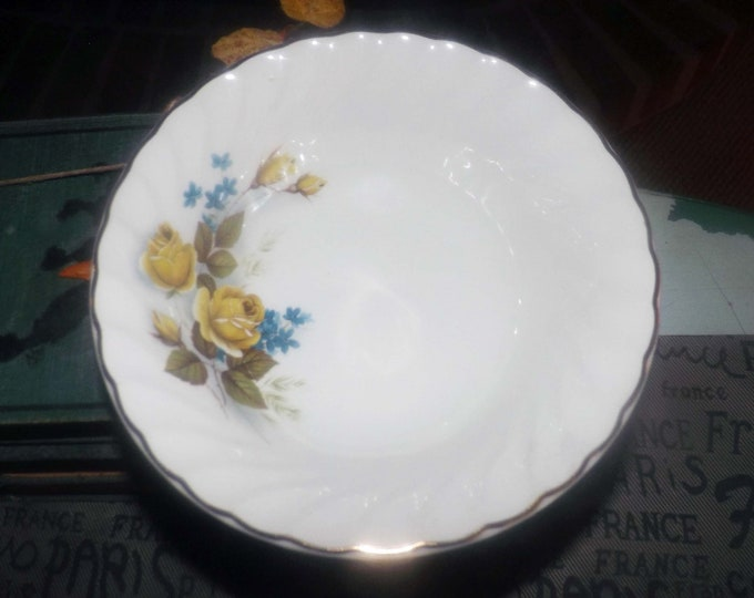 Early mid-century (1940s) Ridgway Favourite Rose cereal, soup or salad bowl.