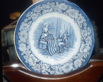 Vintage (1970s) Liberty Blue Historic Colonial Scenes fruit nappie, dessert, or berry bowl. Blue and white Betsy Ross. Made by Wedgwood.