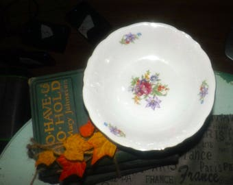 Vintage (1980s) Wawel Poland Meissen Flower cereal, soup, or salad bowl. Multicolor florals, embossed scrolls, gold edge.