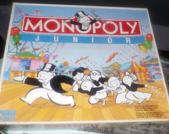 Vintage (1990) Monopoly Junior board game by Parker Brothers. Canadian bilingual (English | French) edition. Missing 1 piece.