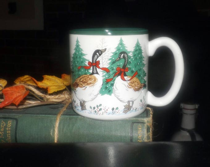 Vintage (1992) Geese with Bows Christmas holiday coffee or tea mug by Potpourri Press.  Green inner bowl and edge.