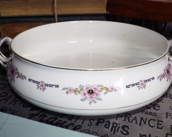 Almost antique (1920s) Alfred Meakin Milldale handled vegetable | serving bowl. Pink florals, black accents, gold edge.