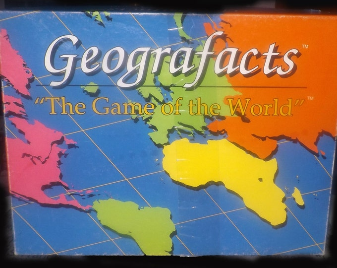 Vintage (1991) Geografacts educational world geography board game. Complete (but no instructions).