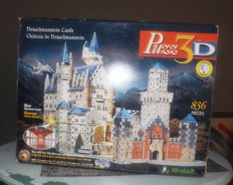 Vintage (mid 1990s) Wrebbit 3-D Foam Puzzle. Bavaria's Neuschwanstein Illuminated Castle. Original box, instructions. Sold as is (see below)