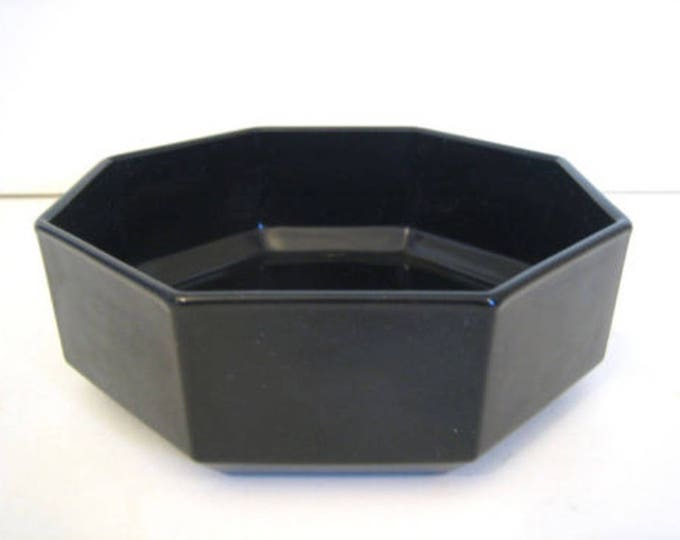 Vintage (1980s) Arcoroc | Arcopal | Luminarc Novoctime all-black glass soup, cereal, or salad bowl. Octagonal shape, all-black glass.