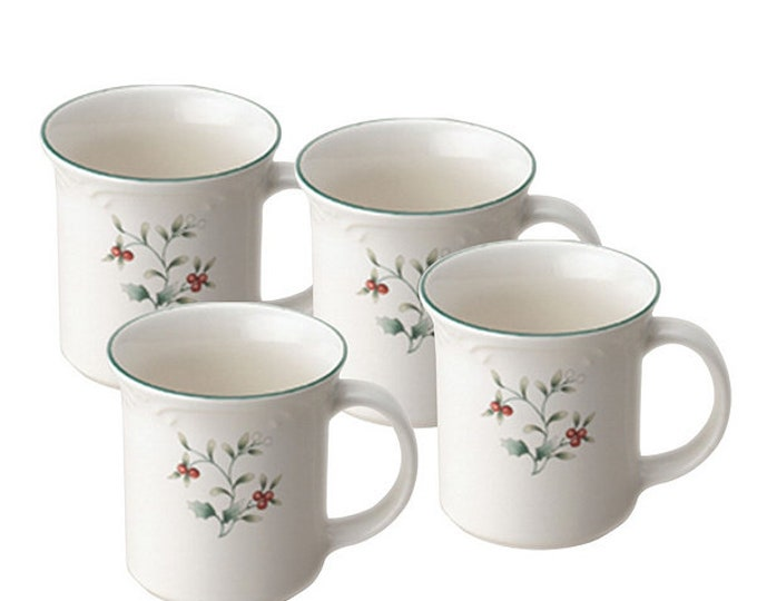 Boxed set of 4 vintage (1991) Pfaltzgraff Winterberry Christmas coffee or tea mugs.  Mint and unused, original box and inserts.