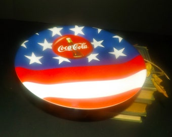 Vintage (1998) Gibson Designs Coca-Cola Stars and Stripes | US Flag | Americana | Patriot Day melamine plate. Choice of dinner or salad.