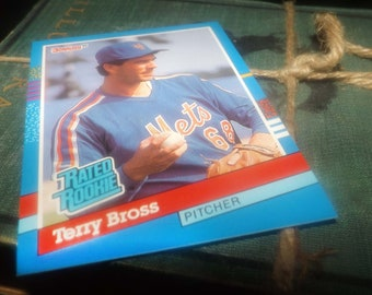 Vintage (1991) DonRuss baseball card #34 Terry Bross RR Pitcher New York Mets.