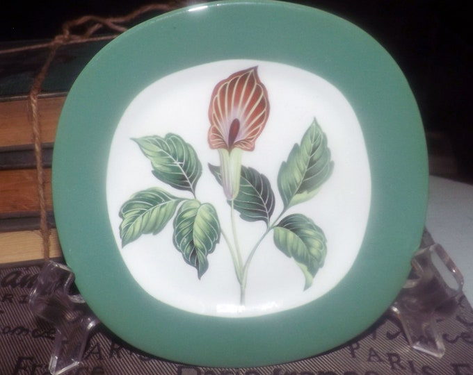 Mid-century (1950s) Taylor, Smith & Taylor USA King O'Dell squared bread-and-butter or side plate. Conversation line. Walter Dorwin Teague.