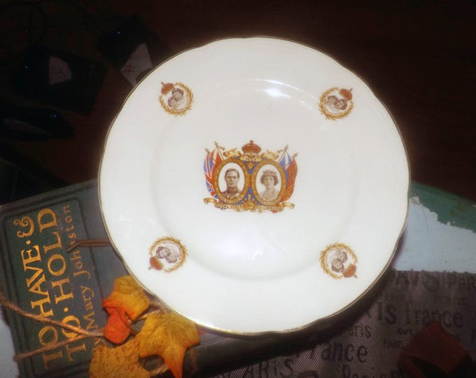 Quite vintage (1939) Alfred Meakin Commemorative plate for the visit of George VI and Queen Elizabeth to Canada. Royal Marigold.