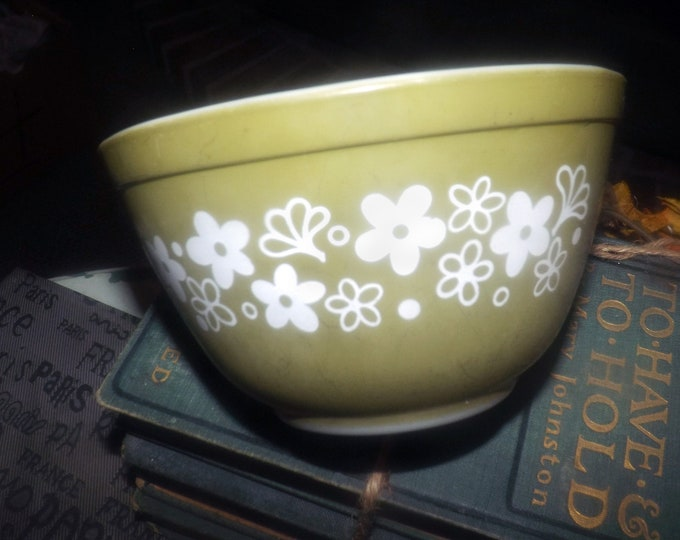 Vintage (1970s) Pyrex | Corning USA Spring Blossom small, glass mixing bowl. Retro green with large, white flowers. Made in USA.