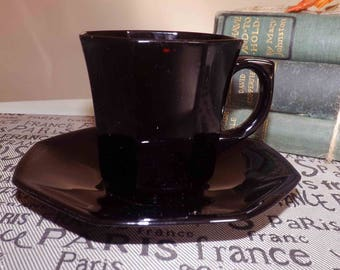 Vintage (late 1980s) Arcoroc | Arcopal | Luminarc Octime Black tea set (cup with matching saucer). Octagonal shape, all black glass.