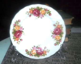 Vintage (1960s) Wood & Sons Cottage Rose bread-and-butter, dessert, or side plate. Red, pink, yellow roses, gold edge.