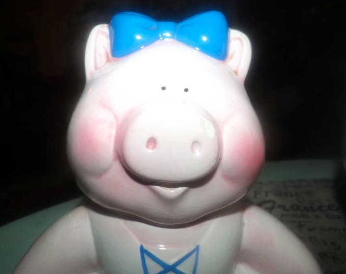 Vintage (1970s) Giftcraft Muppets Miss Piggy cookie jar.  Miss Piggy in her best dress and blue bow. Just too cute.