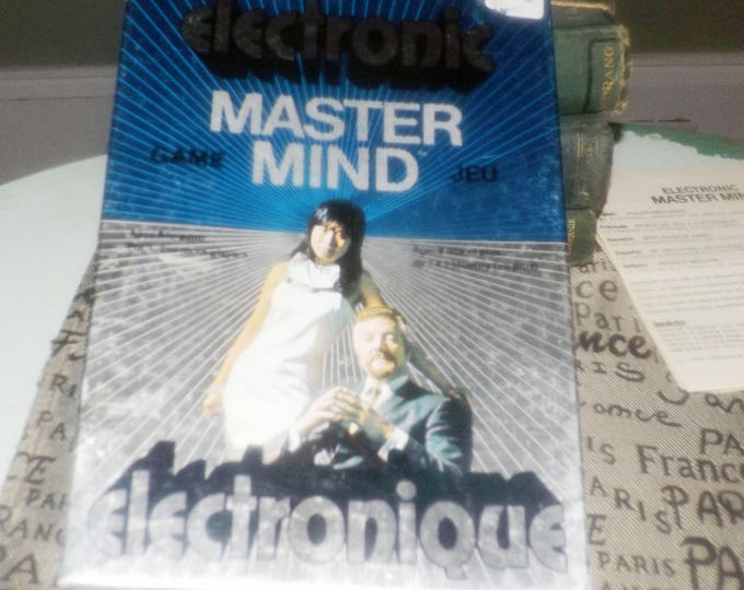 Vintage (1977) Electronic Mastermind hand-held code-breaking game by Parker Brothers | Invicta. Complete.