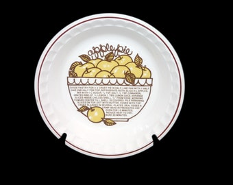 Vintage (1980s) Sunnycraft   Sunny's Pride stoneware Apple Pie pie plate. Central recipe and images for Apple Pie. Made in Korea.