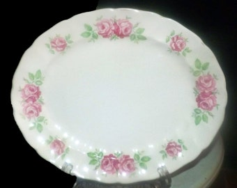 Mid-century (late 1940s - 1950s) Johnson Brothers JB664 oval platter. Pink roses and greenery. Old Chelsea ironstone.