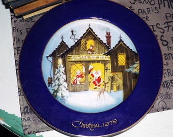 Vintage (1979) George Good Corp | Josef Originals limited-edition Christmas plate. Santas Toy Mill by artist Brian Day. Cobalt, gold.