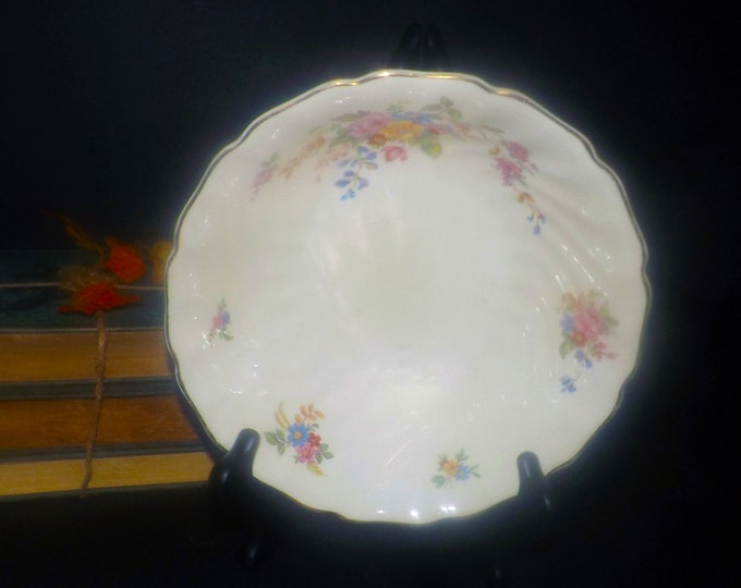 Vintage (1930s) Johnson Brothers JB1193 round vegetable serving bowl. Old Chelsea ironstone made in England.