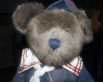 Vintage Radcliffe Fitzbruin Boyds Bear #912020 in sailor suit. Handmade bear, original tags. Boyd's Bears Archive Collection. USS Bearmerica