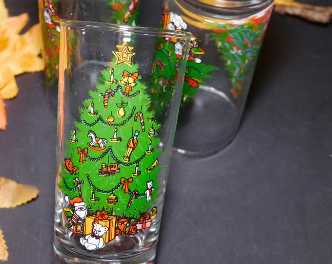 Set of vintage (1980s) Luminarc | Crystal d'Arques-Durand Holiday Christmas tumblers. Etched-glass teddy bear, Christmas tree.