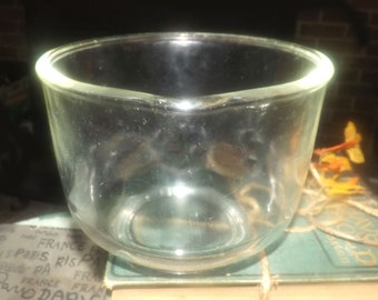 Vintage (1960s) GlasBake for Sunbeam glass mixing bowl with pour spout.