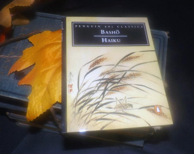 Vintage (1995) paperback mini book Haiku poetry by Basho. Excerpts On Love and Barley. Penguin 60s Classics.