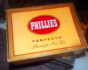 Vintage (1970s) Phillies Perfecto empty cigar box. Box printed in USA by Bayuk Cigars, Fort Lauderdale.