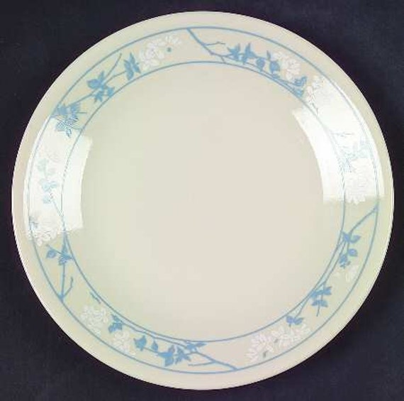 Vintage 1980s Corning USA soup or salad bowl Corning Ware First of Spring cereal Corelle Embossed blue florals