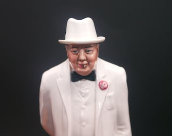 Vintage (1984) Royal Doulton Winston Churchill H3057 figurine made in England. Signed to base. A. Hughes designer. Men of History series.
