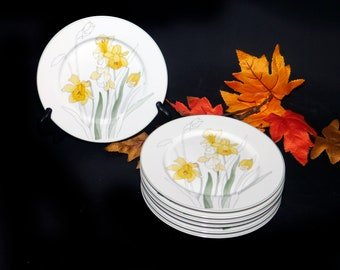 Vintage (1983) Block Spal Daffodil salad or side plate. Mary Lou Goertzen design made in Portugal. Sold individually.