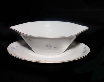 Mid-century Johann Seltmann 4971 gravy boat with attached under plate made in Germany.